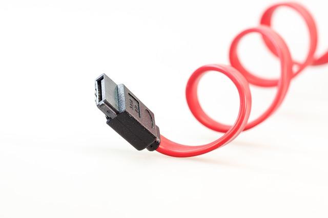 USB・電源ケーブルを持ち運ぶ時に覚えておきたい8の字巻き