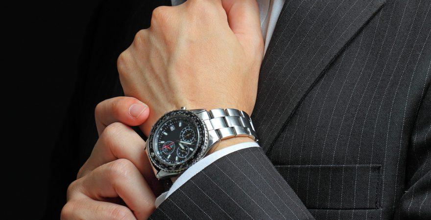 スマホ時代、ビジネスパーソンが腕時計をする5つの理由