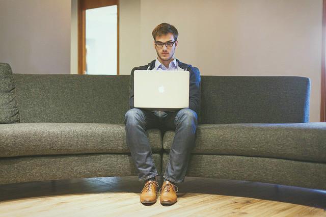 それって、仕事依存症?原因と克服方法