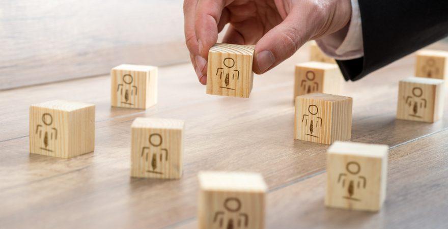 優秀なリーダーの条件は? 管理職が避けるべき行動6つ