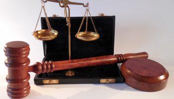 ビジネスパーソンに法律が必要な理由