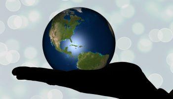 大学生が国際資格を目指すメリットとデメリットとは?