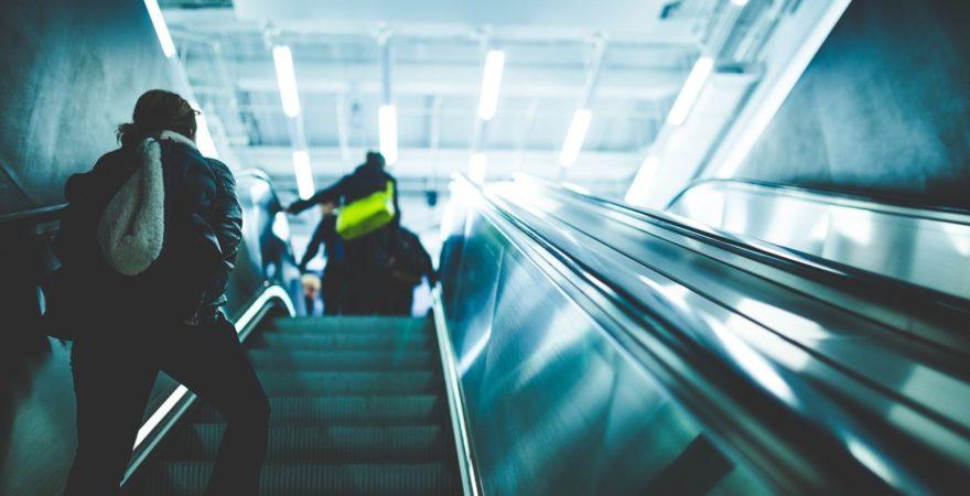 新社会人必見!できるビジネスパーソンになるための通勤時間の過ごし方5選